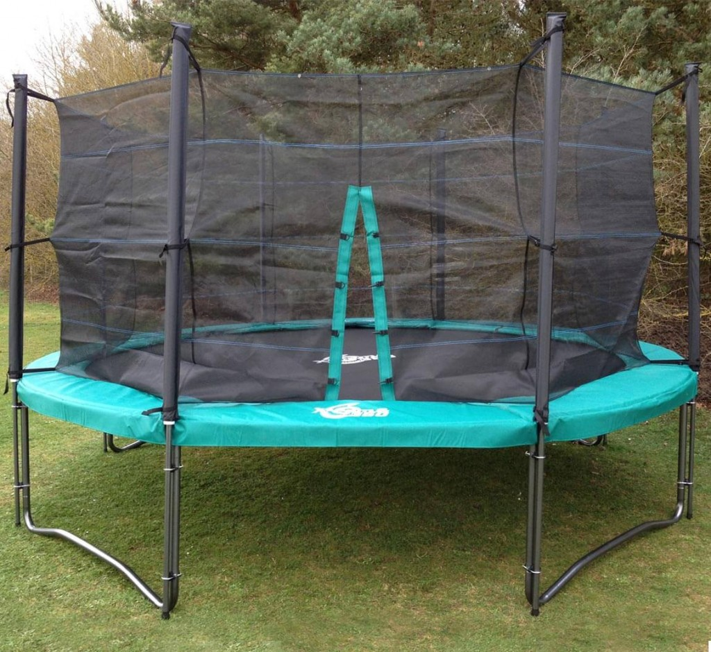 12 Ft Trampoline With Enclosures